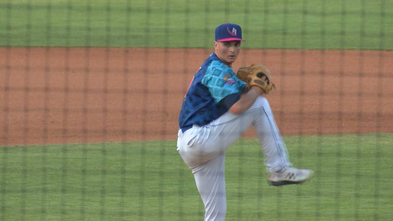Amarillo left-hander Tommy Henry lasts 7.2 innings dealing 3 K's, and allowing 4 runs and 2 HR's.