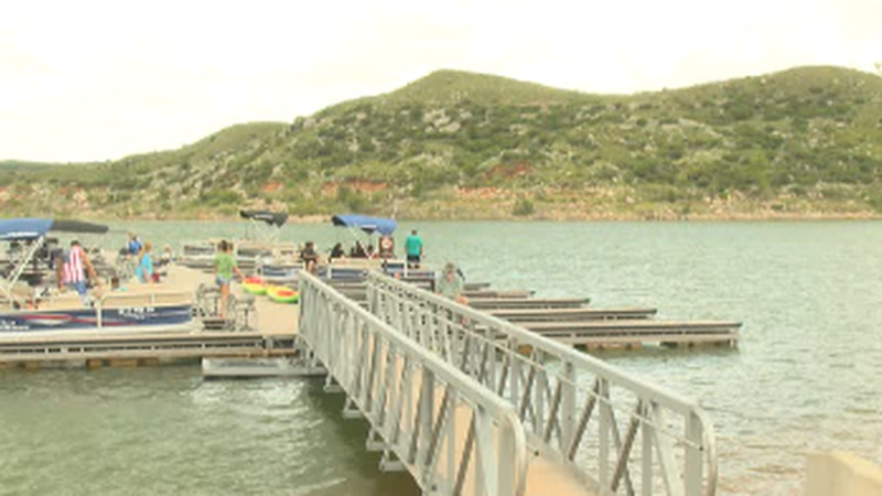 Water levels rise as people celebrate at Lake Meredith