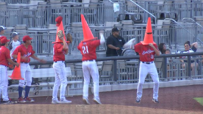 Generals late inning rally takes down Sod Squad 10-4